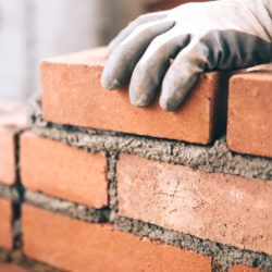 Sebelum Membangun Rumah Sebaiknya  Batu Bata atau Batako
